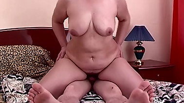 Fat Horny Mom Fucking Her guy's Best Friend