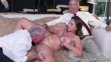 Abigail's muscle old man xxx take care and mom seduces girl