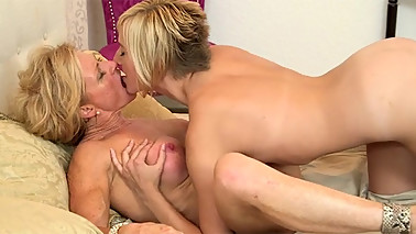 Kate England having fun with her step mom Amanda Verhooks in bed