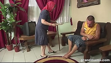 REALLY old granny getting fucked hardcore