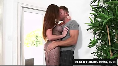 RealityKings - Milf Hunter - (Jessica Rayne, Levi Cash) - Naughty In Net