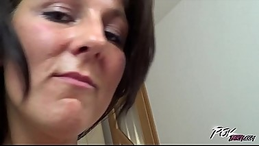 Povbitch Skinny mom with big ass love to suck cock till the end and swallow