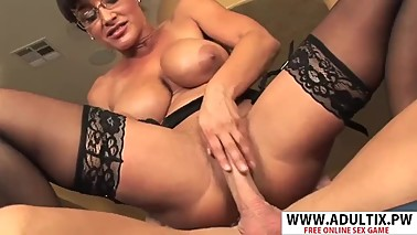 Cougar Step Mom Lisa Ann Seduces Good Tender Friend