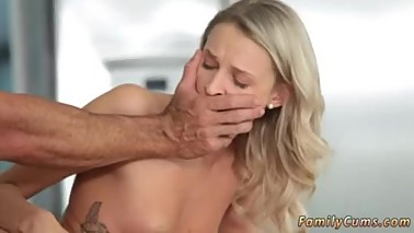 Julia mom gangbang in front of playfellow's daughter hot german