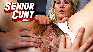 Milf Beate pussy close-ups and weird old pussy widening games